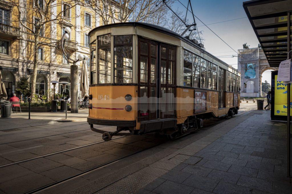 Tram solitario